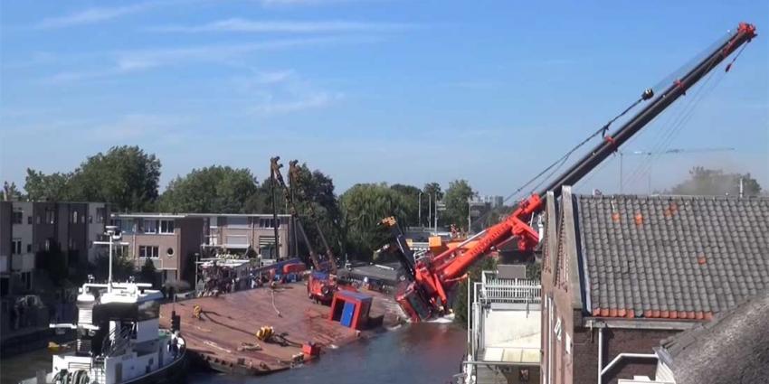 Inhijsen brugdeel Alphen a/d Rijn gaat fout kranen vallen om, meerdere gewonden