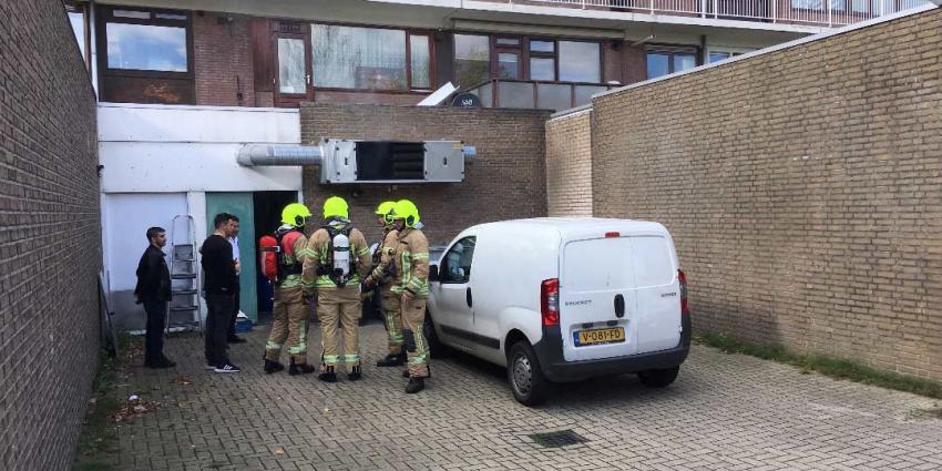 Brandweer blust brand in afzuigsysteem bij bedrijf in Vlaardingen