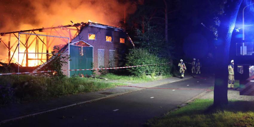 brand-boerderij-brandweer