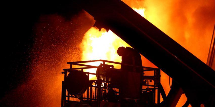Luchtalarm in Venlo om zeer grote brand