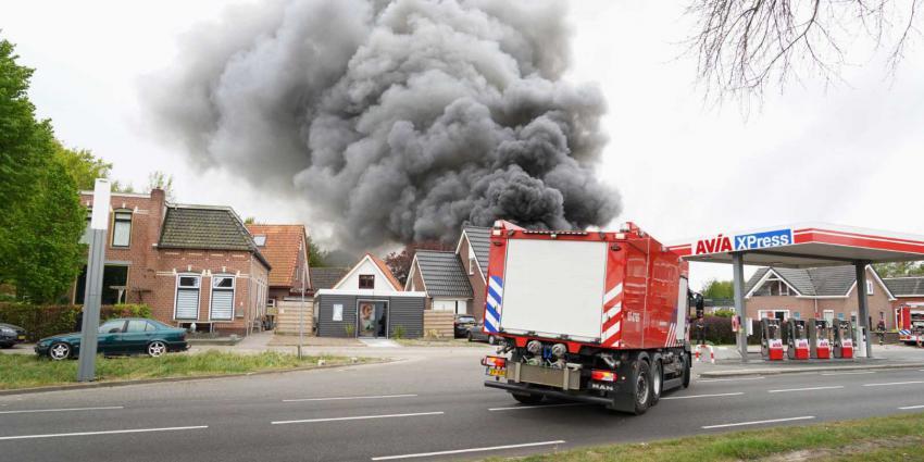 brand-rookwolken-tankstation-autoschadebedrijf