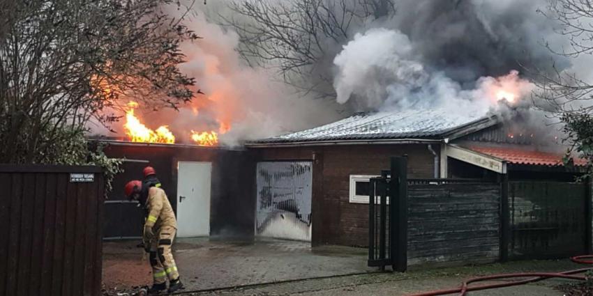 Schuur in Groningse Wildervank compleet afgebrand