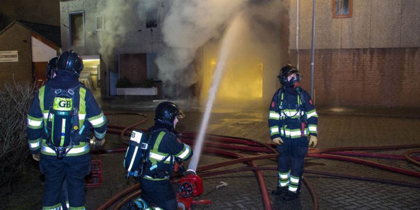 Grote brand in bedrijfspand in Rozenburg