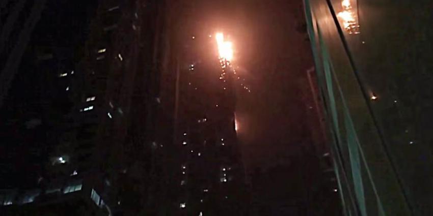 Zeer grote brand in woontoren in Dubai