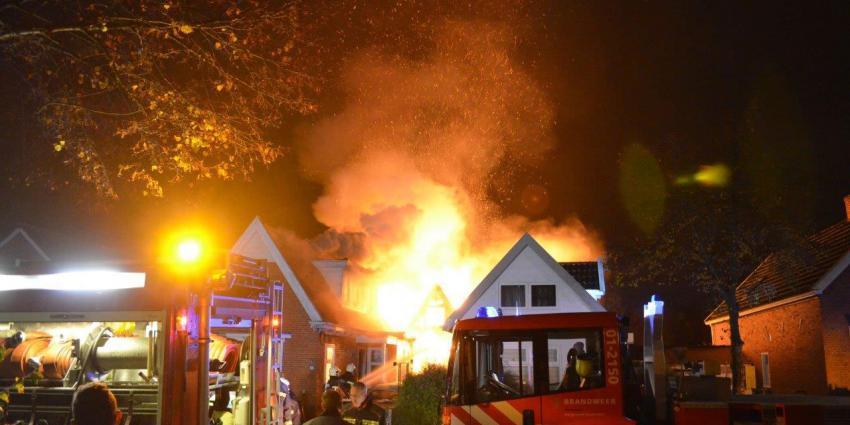 Veel schade na woningbrand Sappemeer