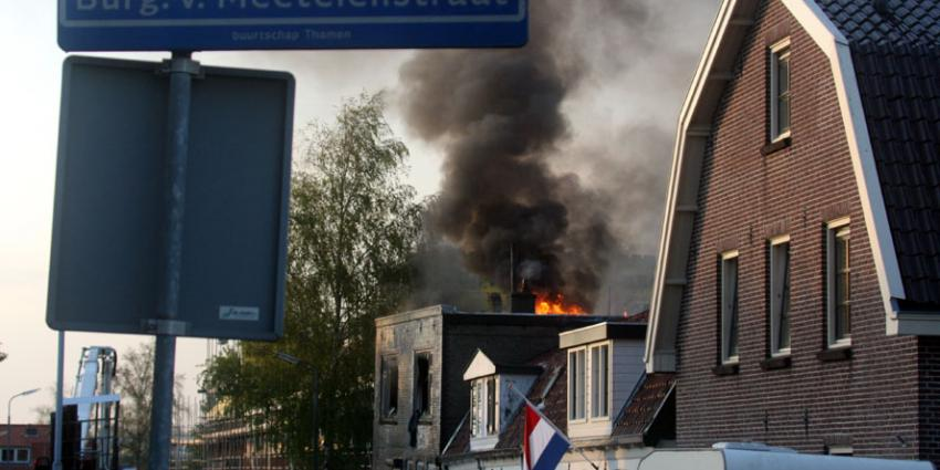 Bakkerij door brand verwoest in Uithoorn. Hond gered
