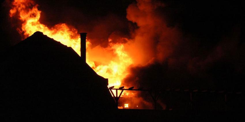 Noodverordening in Wateringen na brand in bedrijfsverzamelgebouw