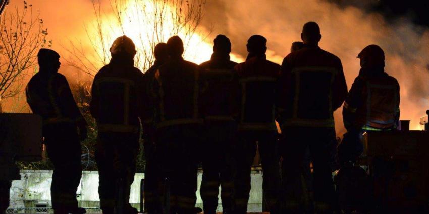 Grote brand verwoest bedrijfspand in Tubbergen