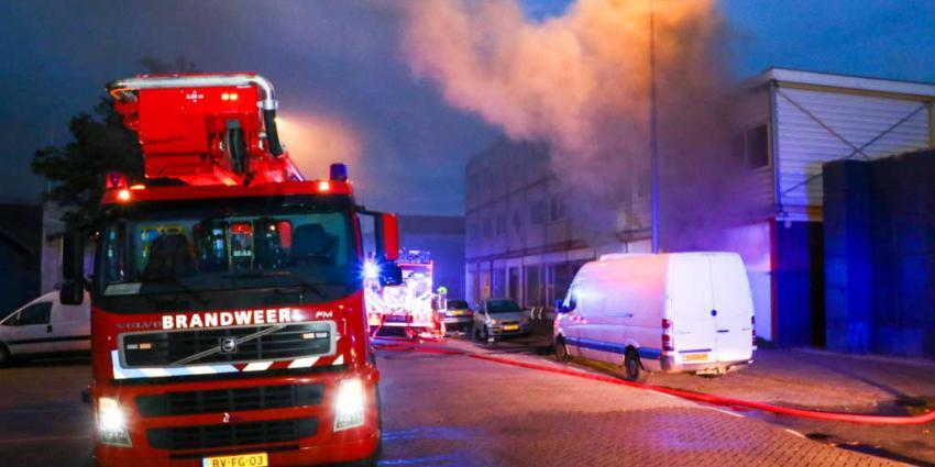 Veel rook bij brand in bedrijfspand Rotterdam