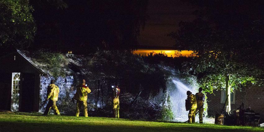Brand verwoest tuinzittje met overkapping