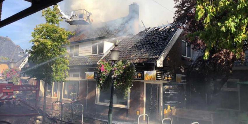 Grote brand bij Friethuis in Huizen