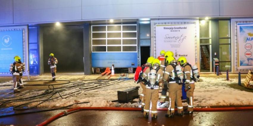 Grote brand in groothandel voor waterpijpen
