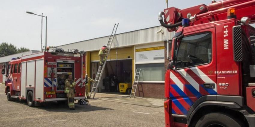 brand, dak, kabelbedrijf, brandweer