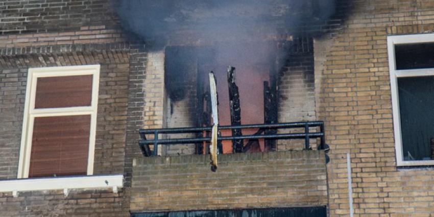Vier personen van balkon gered bij grote brand Schiedam