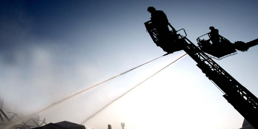 Brandweerman onwel tijdens blussen grote brand Gorinchem