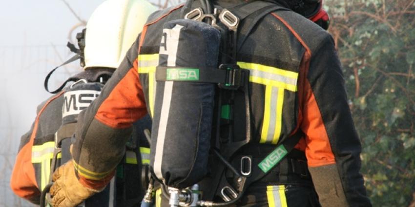 Foto van blussende brandweer