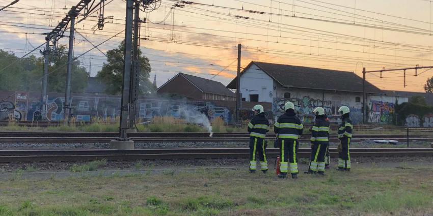 Treinverkeer spoortraject Boxtel korte tijd plat door brand in spoorbiels