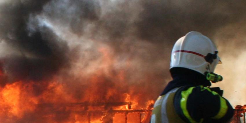 Grote brand bij garagebedrijf in Vlissingen