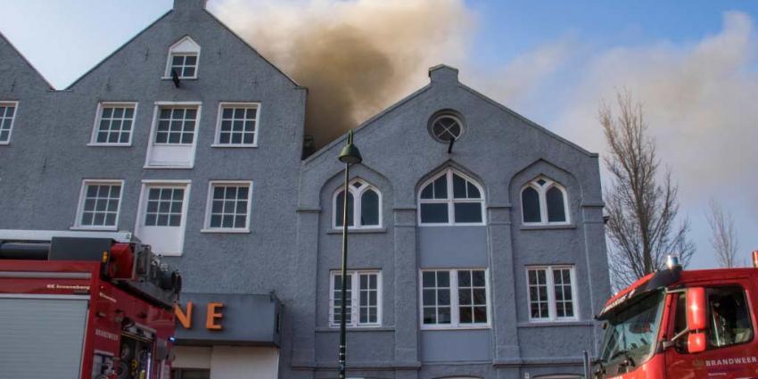 Grote brand bij sportschool in Maassluis