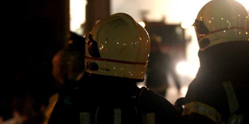Drie kinderen door brandweer gered uit brandende woning A'dam-Noord