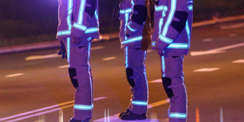 Woningen ontruimd in Hoorn om explosiegevaar brandend busje