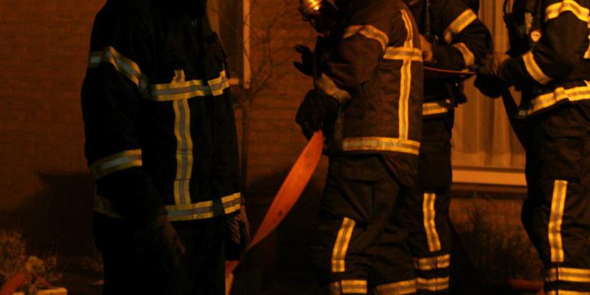 brandweermannen-donker-woning