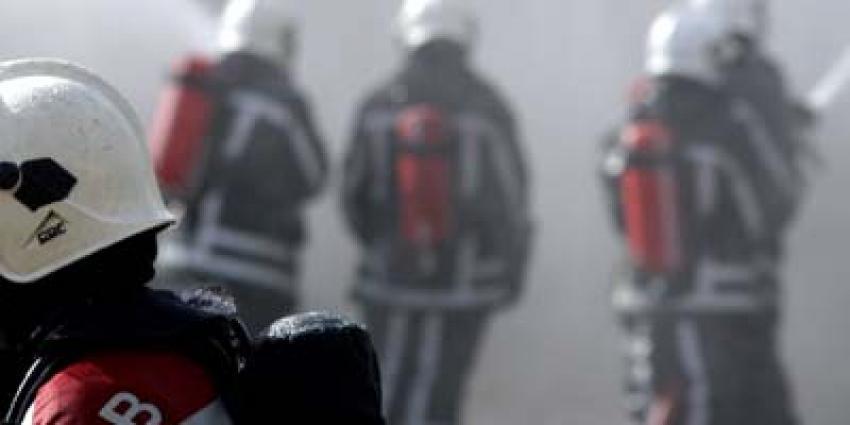 Grote felle brand in bedrijfspand Aalsmeer