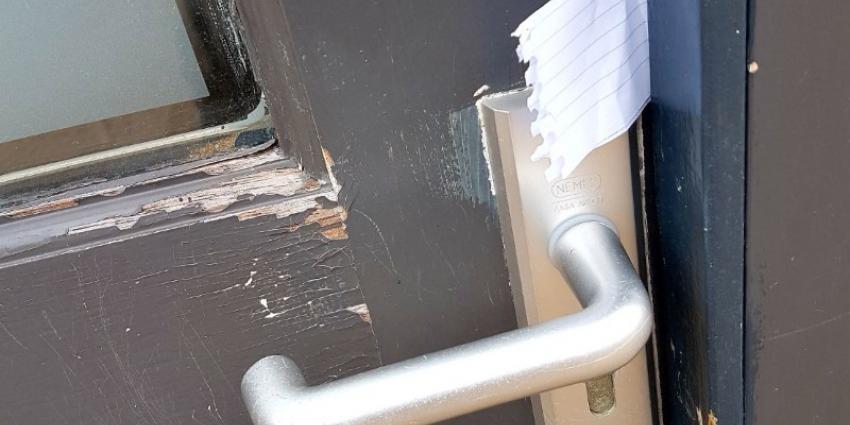 inbrekers-voordeur-briefje