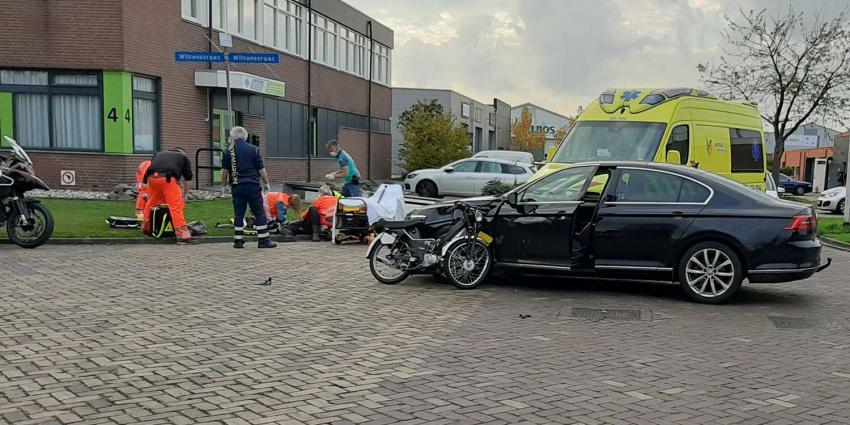 bromfiets-auto-ambulance