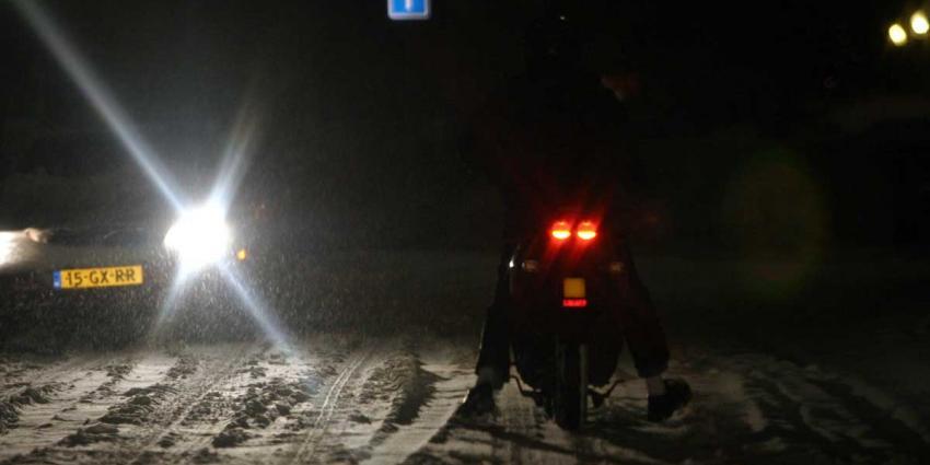 Bromfietser mishandelt chauffeur strooiwagen