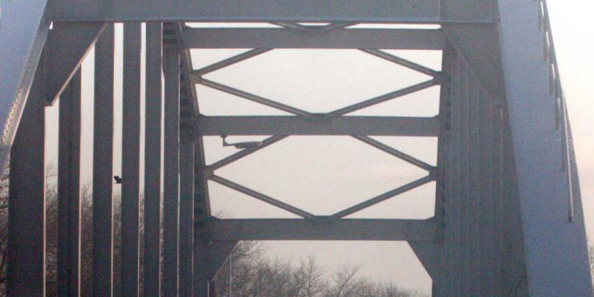 Rijkswaterstaat weet 'tikkend' geluid IJsselbrug A12 te lokaliseren
