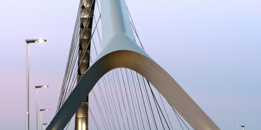 Stadsbrug 'De Oversteek' wint de Nationale Bouwprijs 2015