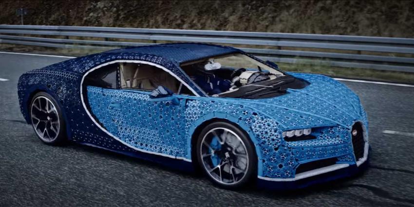 Miljoen LEGO-steentjes in echt rijdende replica Bugatti Chiron