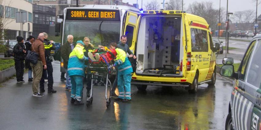 Man gewond na steekpartij in lijnbus Arnhem, verdachte aangehouden