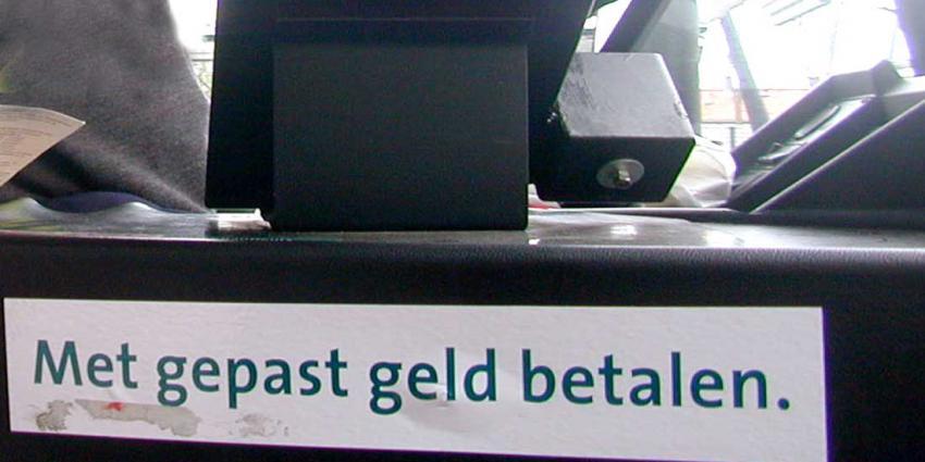 Rover waarschuwt voor te snel afschaffen contant geld in de bus