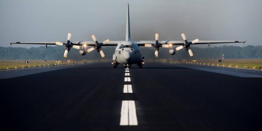 Vliegbasis Eindhoven weer open voor vliegverkeer