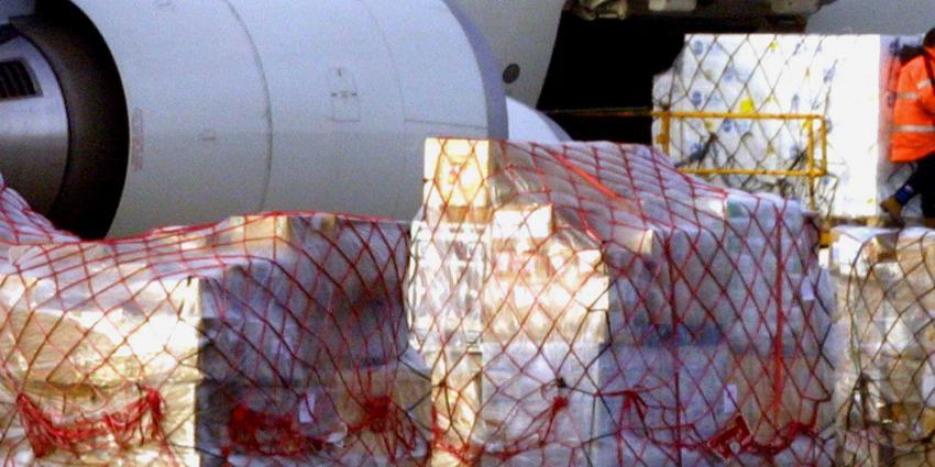 cargo-vliegtuig-dozen-bloem