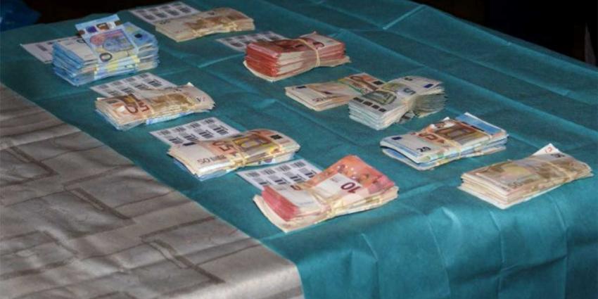 97 Money mules (witwassers) in Nederland opgepakt bij internationale actie