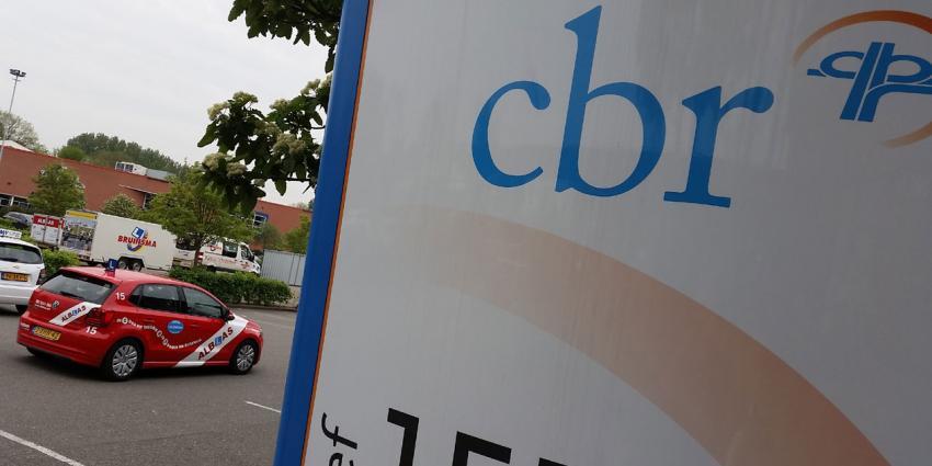 Examinatoren CBR luiden noodklok