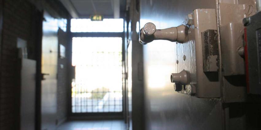 Duitser van vakantiehuisje naar politiecel om gaspistool