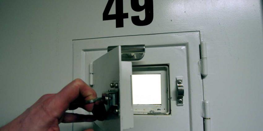 celdeur-gevangenis