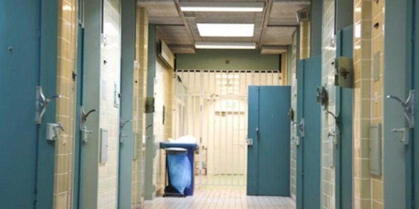 Arrestant overleden in cel bij zelfdoding
