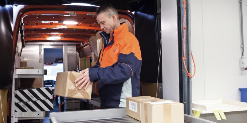 Postvervoerder bezorgen minder binnen 24 uur