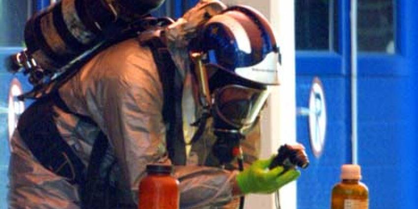 Gevaarlijke stof in gebouw Den Haag, vijftien mensen ontsmet