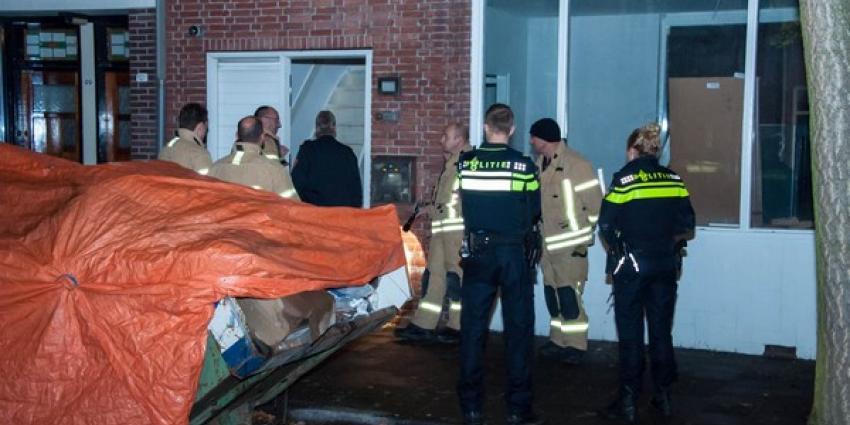 Hulpdiensten naar woning vanwege vreemde chemische lucht