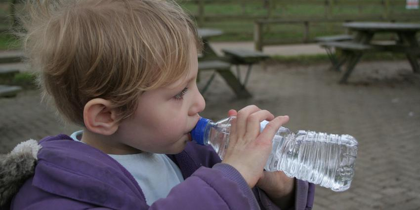 Blokhuis: 1000 watertappunten op schoolpleinen