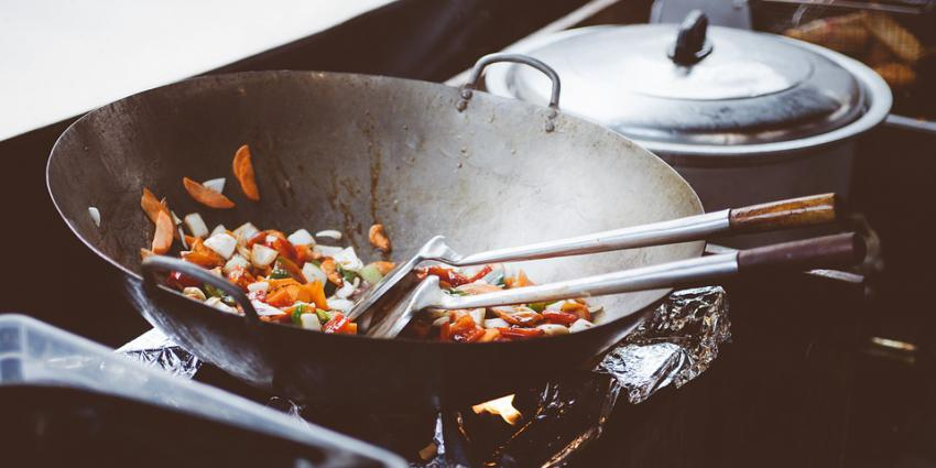 Gemakkelijker Aziatische koks naar Nederland te halen