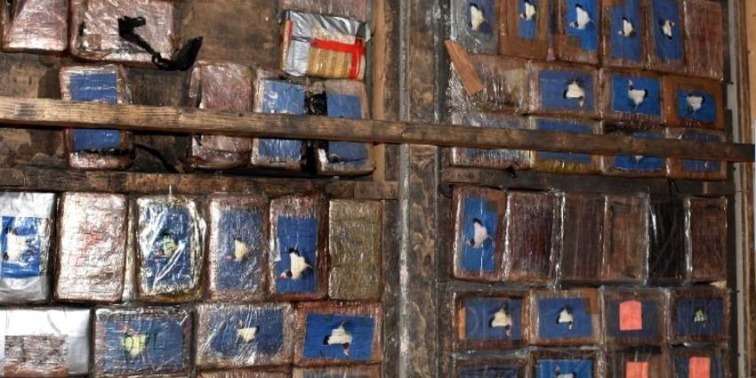 'Cocaïnevloer' aangetroffen in leeg bedrijfspand Spaanse Polder
