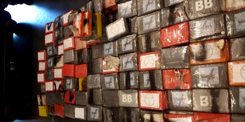 Agent doorziet dubbele wand in bestelbus en onderschept 500 kilo coke