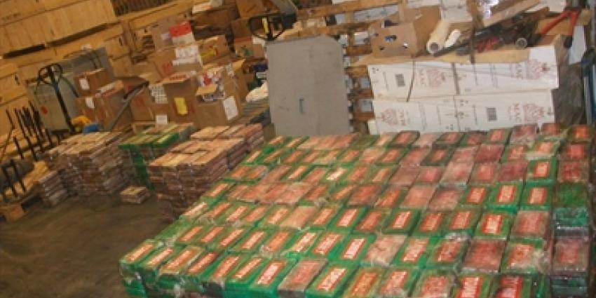 Twee aanhoudingen na onderschepping 1500 kilo cocaïne